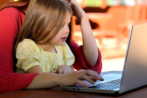 CHILD SAFETY ON THE INTERNET : 4 ESSENTIAL TIPS